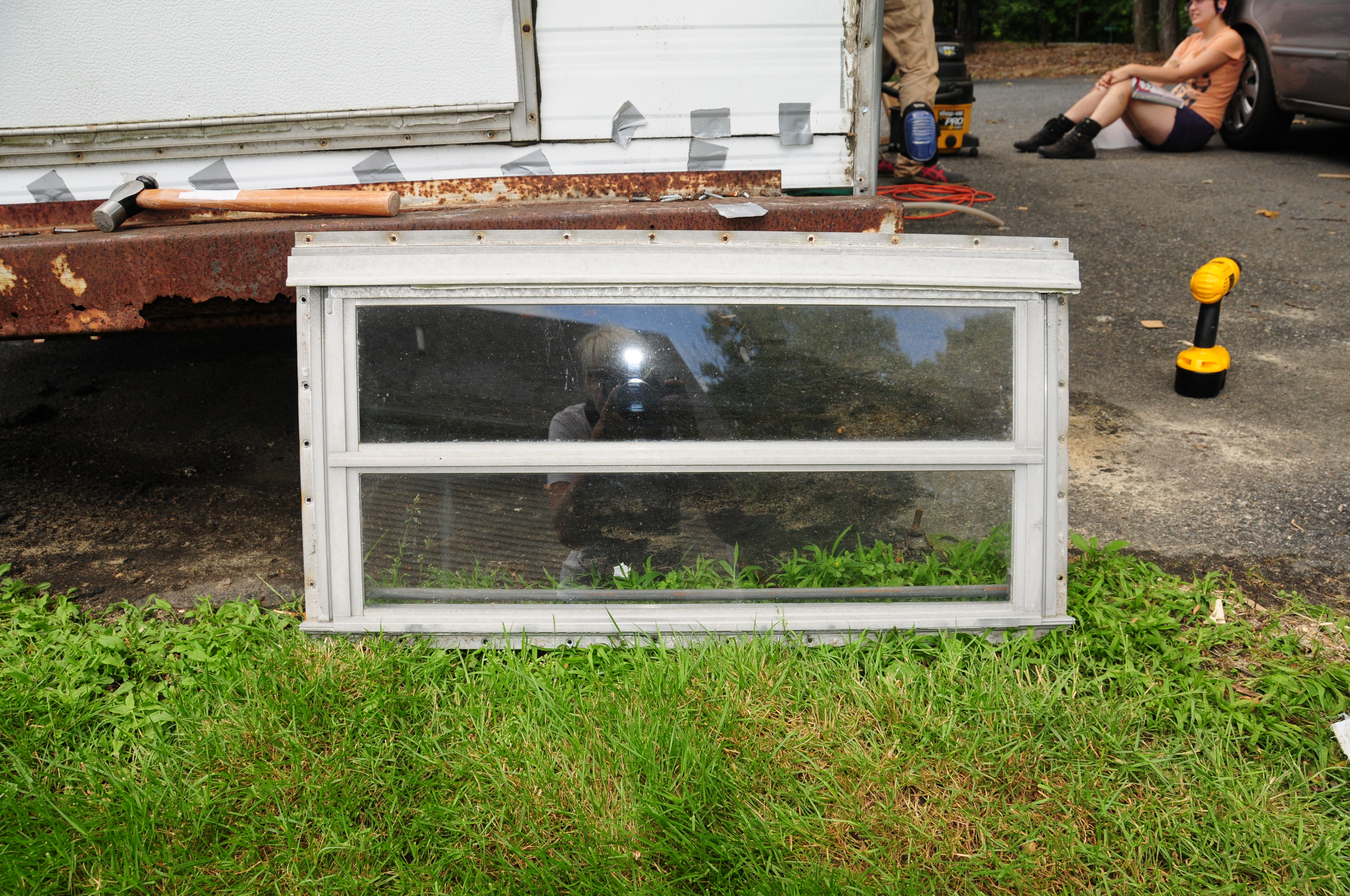 Rvs the comet camper for Replacement windows for sale